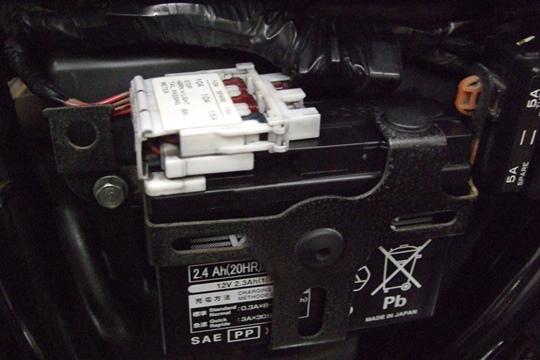 0121バッテリーホルダー。.JPG