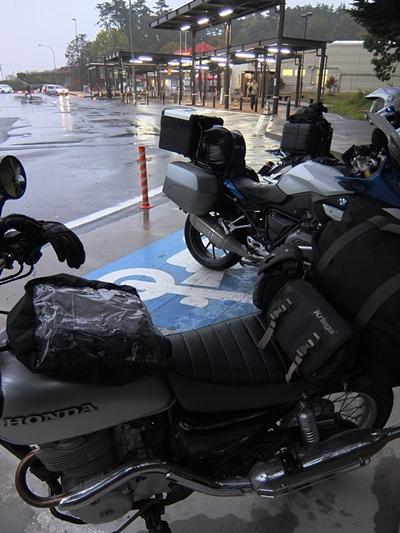 1019雨の中央道にて。.JPG