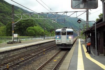 贄川駅にて。.jpg