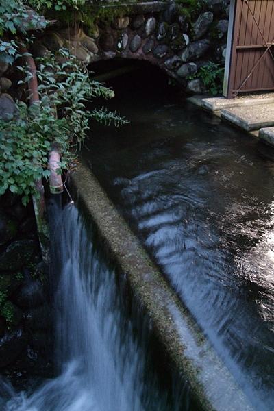 1018水の流れる町2。.JPG